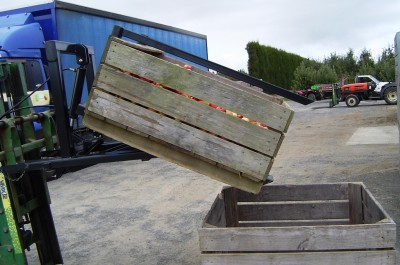 Bin-Tipper-16-Front-Tipper-Quinn-Engineering-400x265